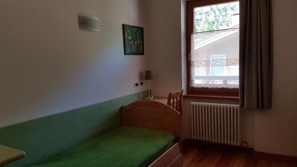 cameretta finestra 1l